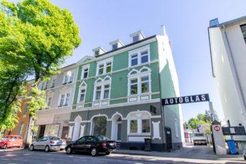 Aussichtsreiches Investment: Modernisiertes Mehrfamilienhaus in Essen, 45326 Essen, Mehrfamilienhaus