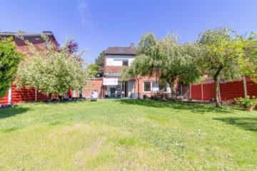 Mehrgenerationenhaus: Gepflegtes Zwei-Familienhaus mit Garten & Garage zzgl.DG, 46147 Oberhausen, Zweifamilienhaus