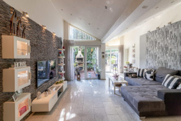 Schönes gepflegtes Einfamilienhaus mit Garten und großer Terrasse, 47167 Duisburg, Reihenendhaus